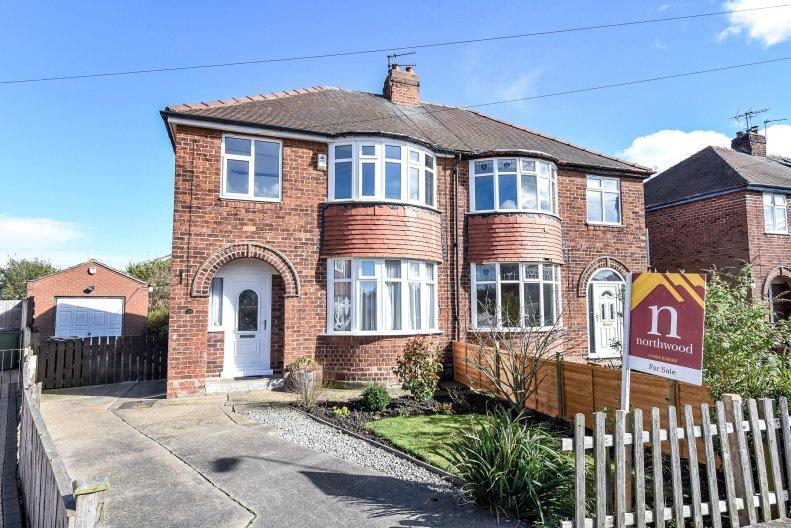 3 Bedroom Semi Detached For Sale In Queenswood Grove Yo24