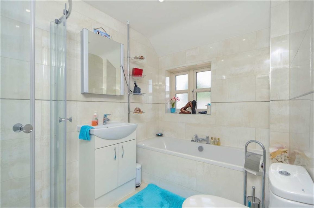 Bathroom Design Yeovil stags | 4 bedroom property for sale in tor view close, yeovil