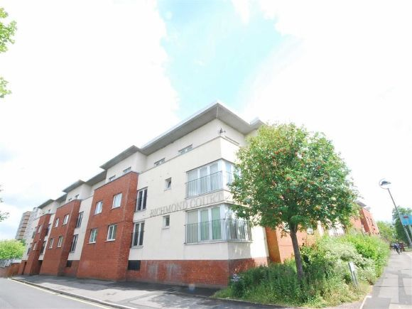 3 Bedrooms Flat for sale in North George Street, Salford