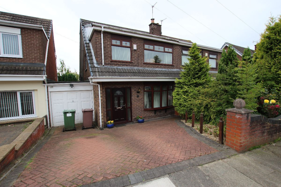 3 Bedrooms Property for sale in 28 BARWELL AVENUE ISLANDS BROW ST HELENS
