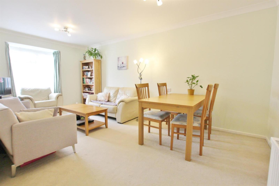 1 Bedroom Property for sale in Birch Drive, Bournemouth