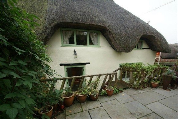 2 Bedrooms Property for sale in Duck Street, Abbotts Ann, Andover