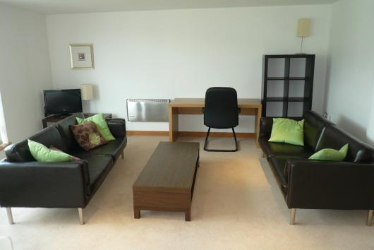 2 Bedrooms Apartment Flat