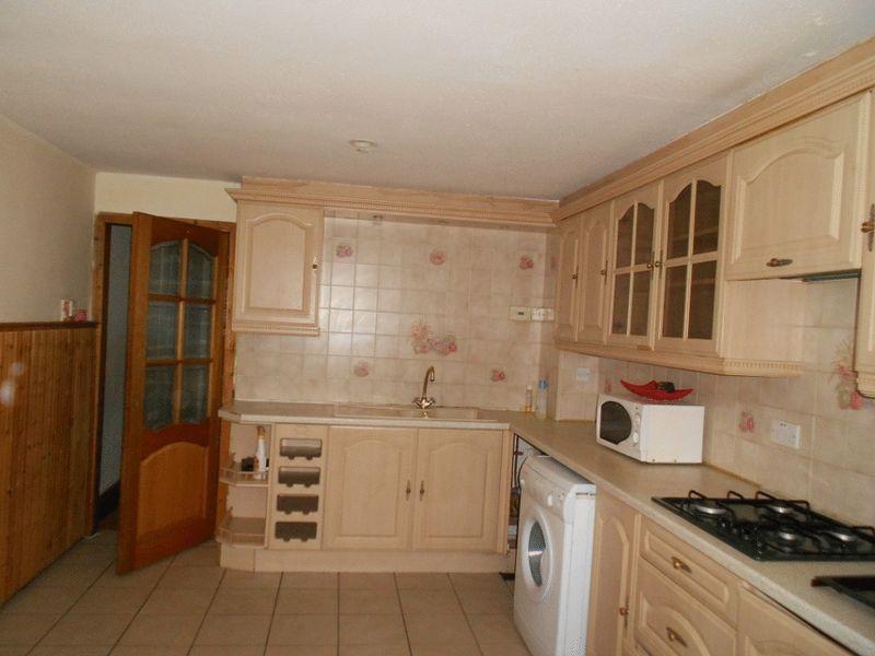 Kitchen Tiles Oldbury 3 bedroom property to let in yardley close, oldbury - £550 pcm