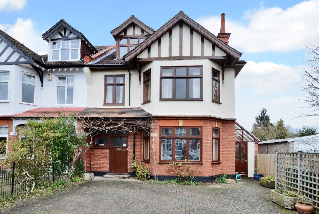 Derby Road Cheam Sutton Sm1 6 Bedroom House