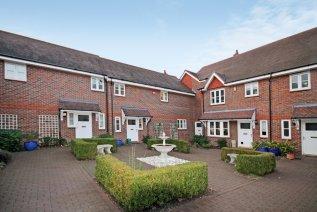 2 bedroom property to let in Westfield Gardens Dorking Surrey