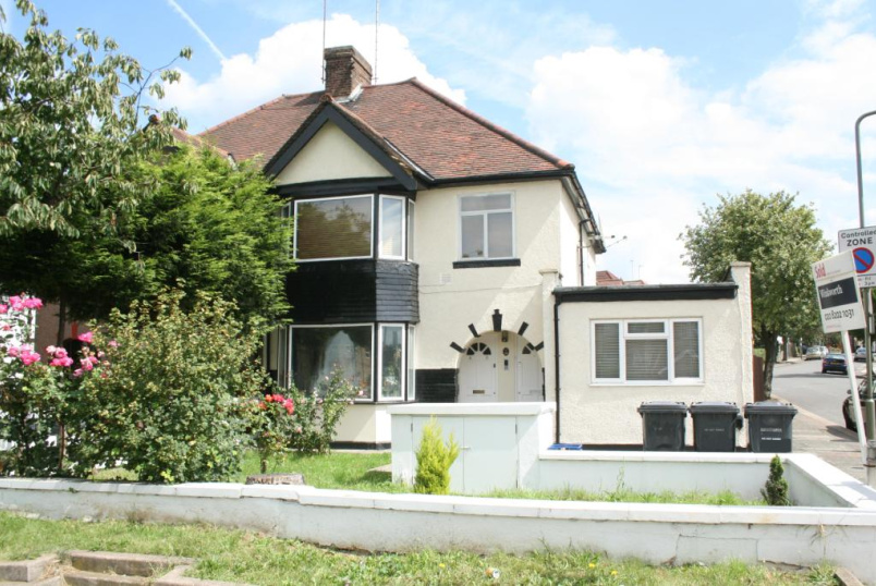 Flat/apartment to let - Watford Way, Hendon, London, NW4