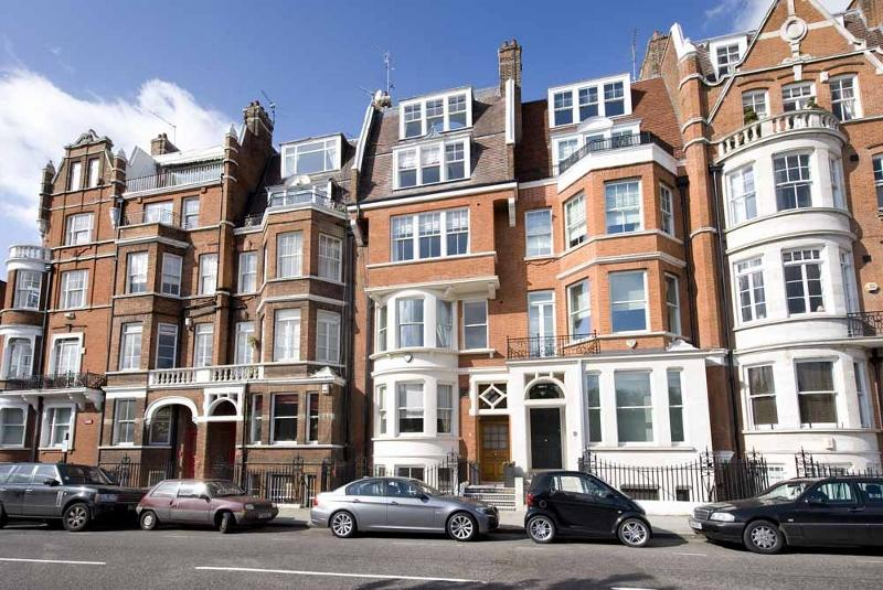 House to let - Cheyne Place, Chelsea, SW3