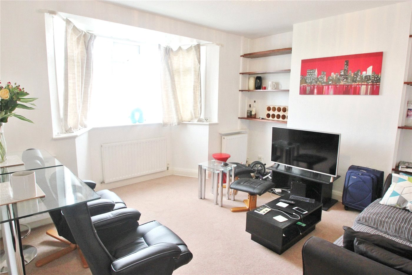 2 bedroom property to rent in Finchley Court, Ballards Lane ...
