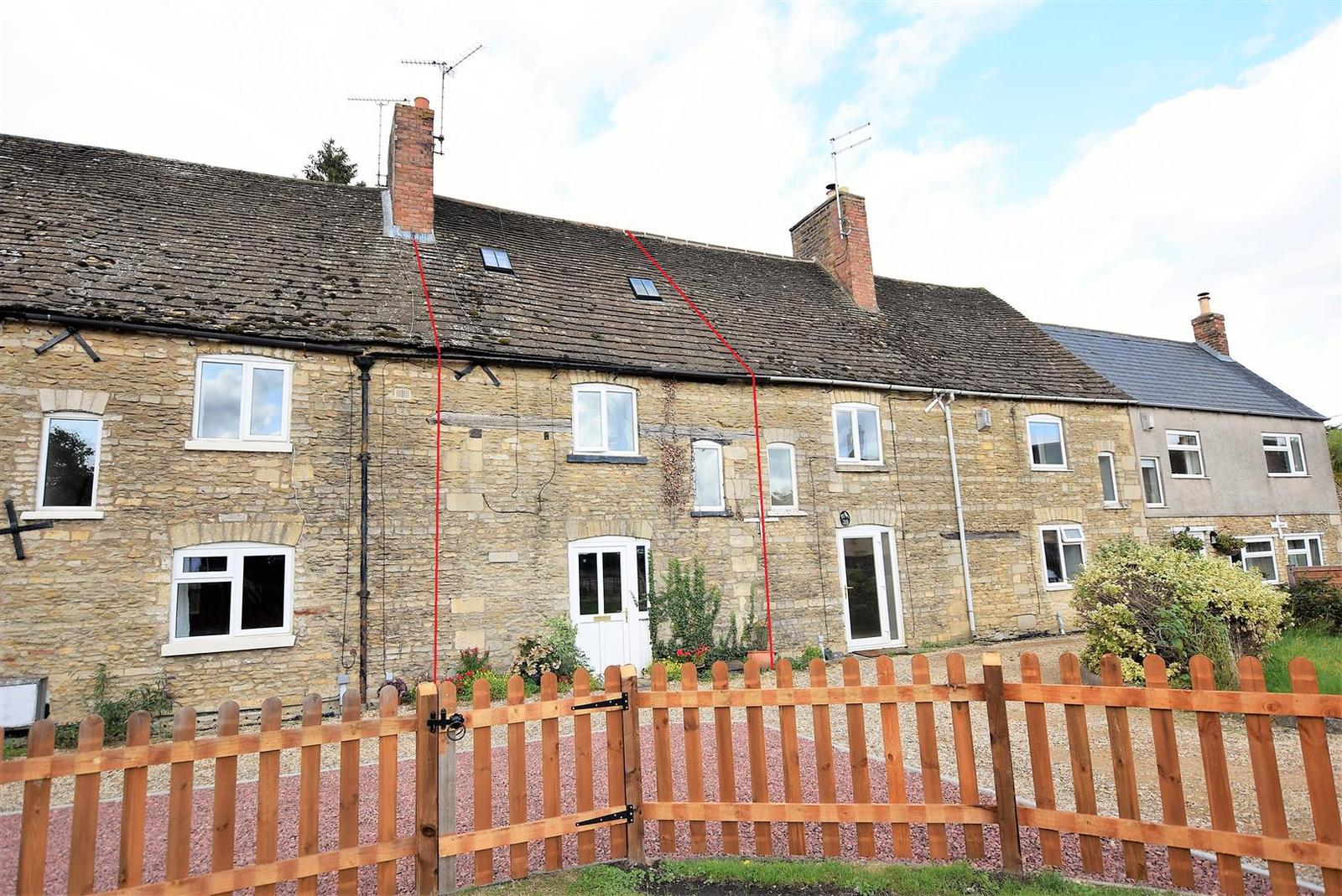 3 Bedrooms Terraced House for sale in Main Road, Uffington, Stamford