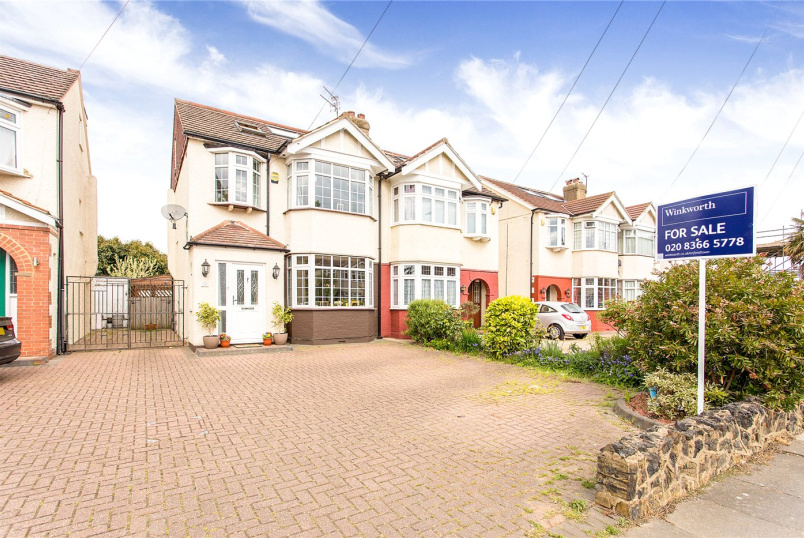 House for sale - Willow Road, Enfield, EN1