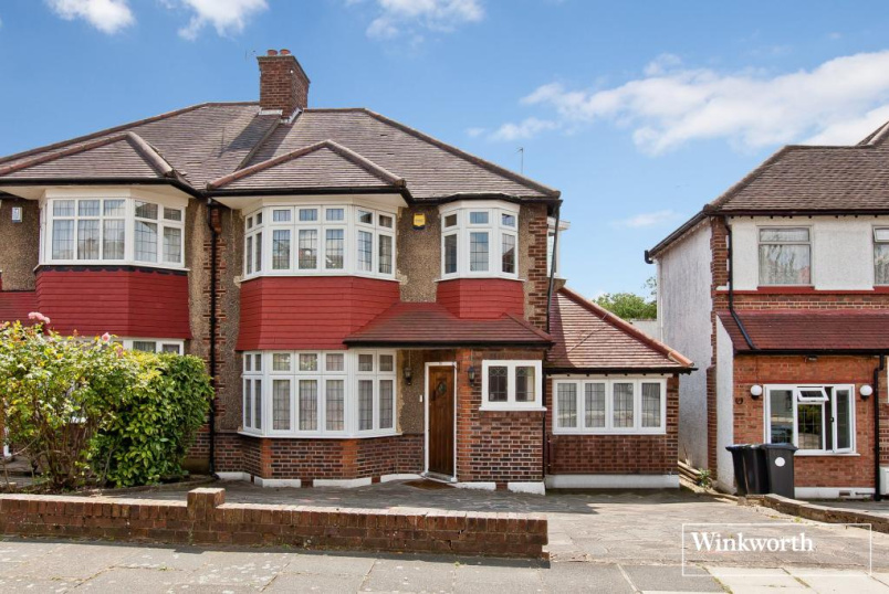 House to rent in  - Morton Way, London, N14