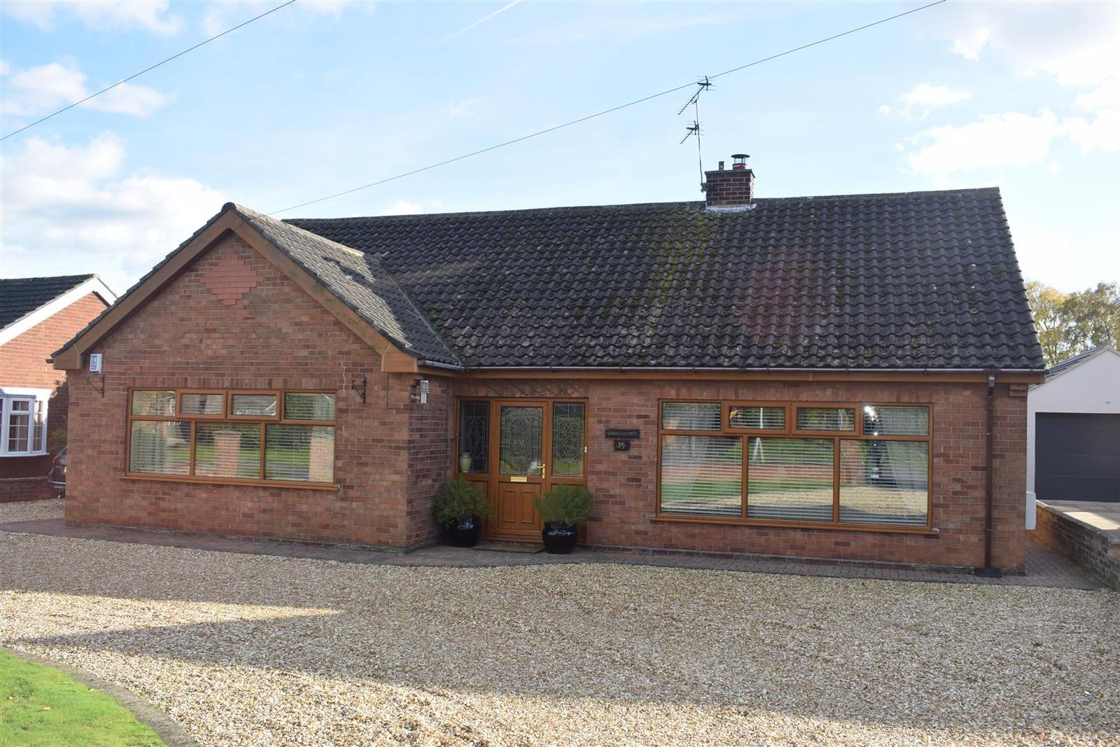 5 Bedrooms Bungalow for sale in Messingham Lane, Scawby, Brigg
