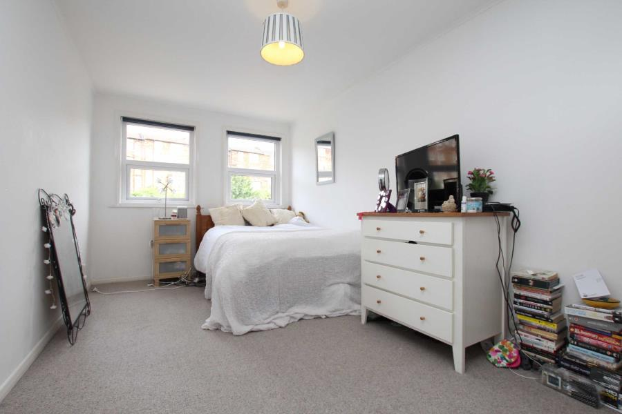To rent: 2 bedroom apartment, £1100 pcm, Alma Court - Clifton