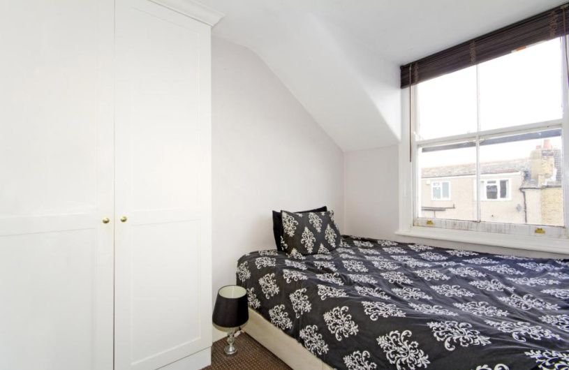 bedroom sets with mattress 1 bedroom property for in romberg road tooting 14423