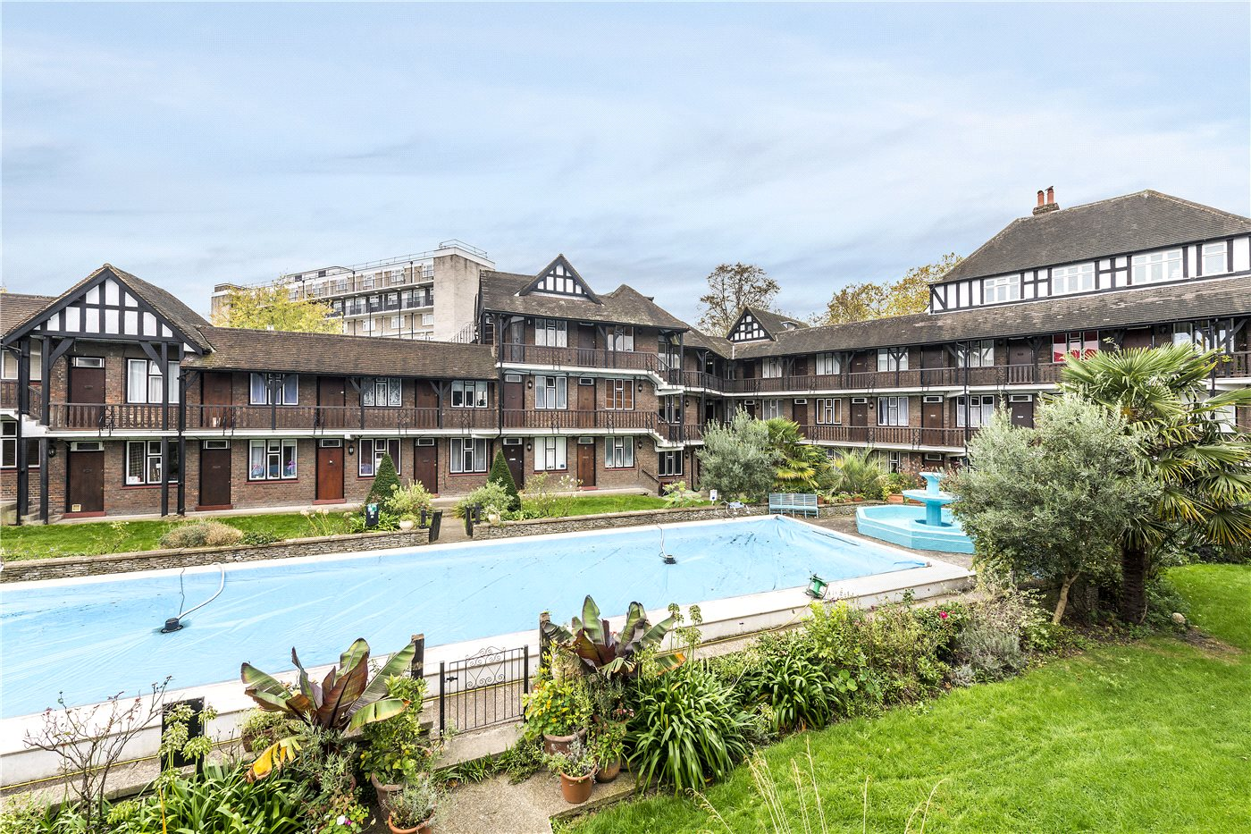 1 Bedroom Property For Sale In Tudor Close Brixton Hill