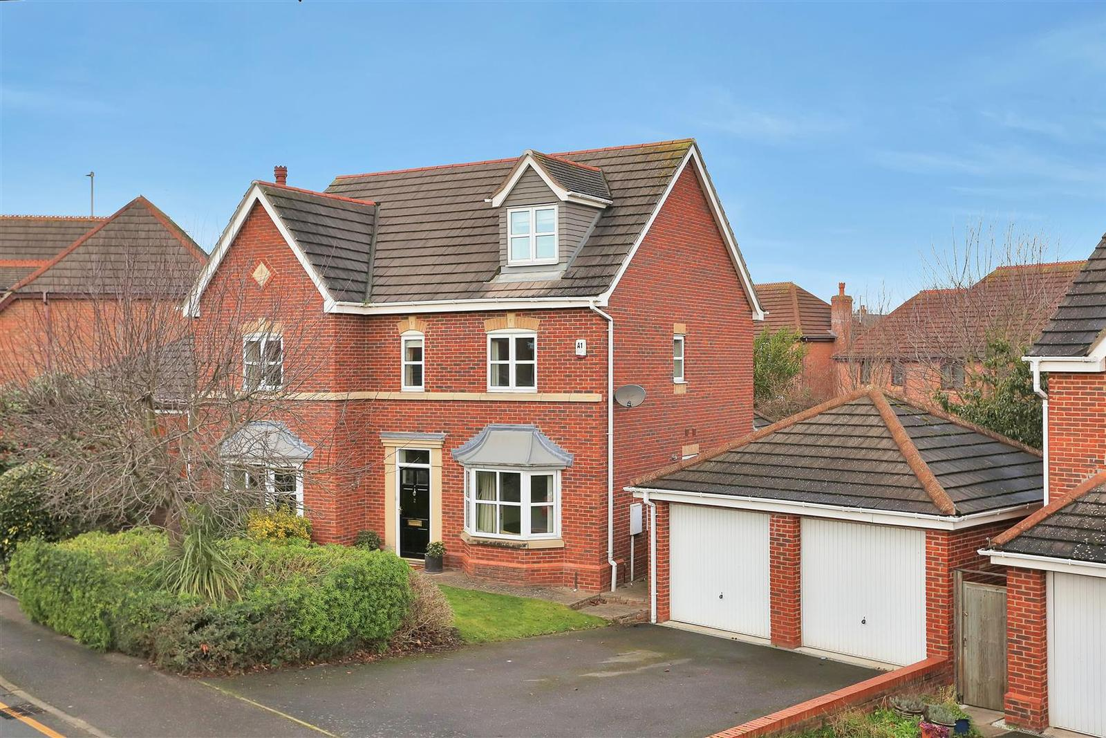 5 Bedrooms Property for sale in Langford Gardens, Grantham