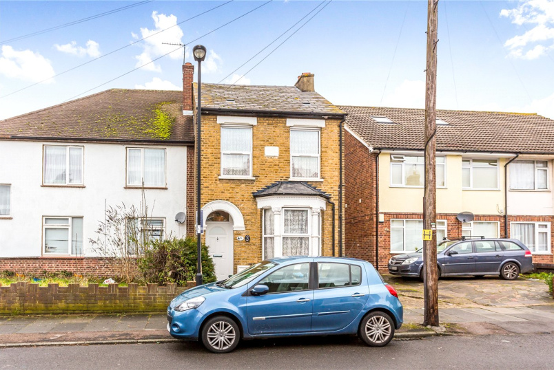 House for sale - Bridgenhall Road, Enfield, EN1