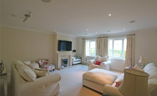 Whittets Ait, Weybridge, Surrey, KT13