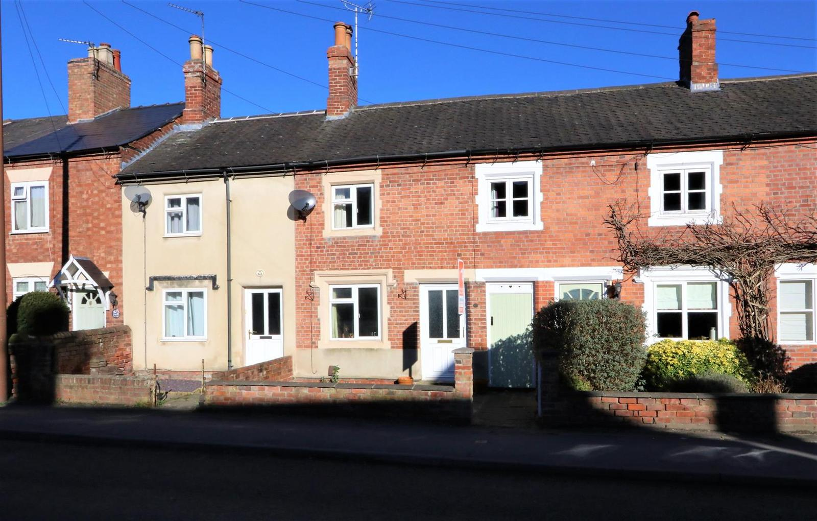 2 Bedrooms Terraced House for sale in Tamworth Road, Ashby-De-La-Zouch, LE6...