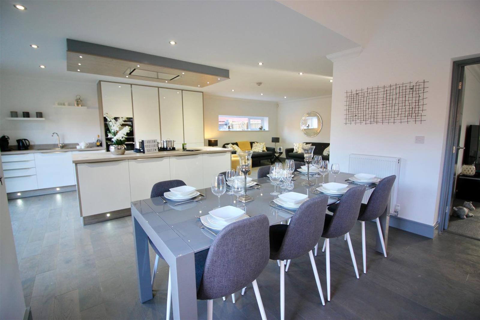 5 Bedrooms Property for sale in Rectors Gate, Retford