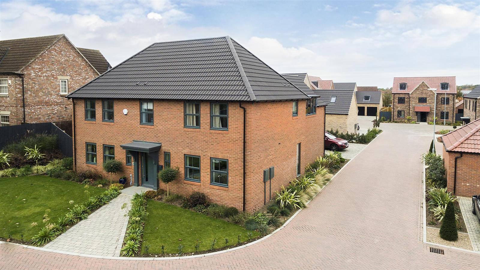 4 Bedrooms Property for sale in Plot 8, Valley View, Retford