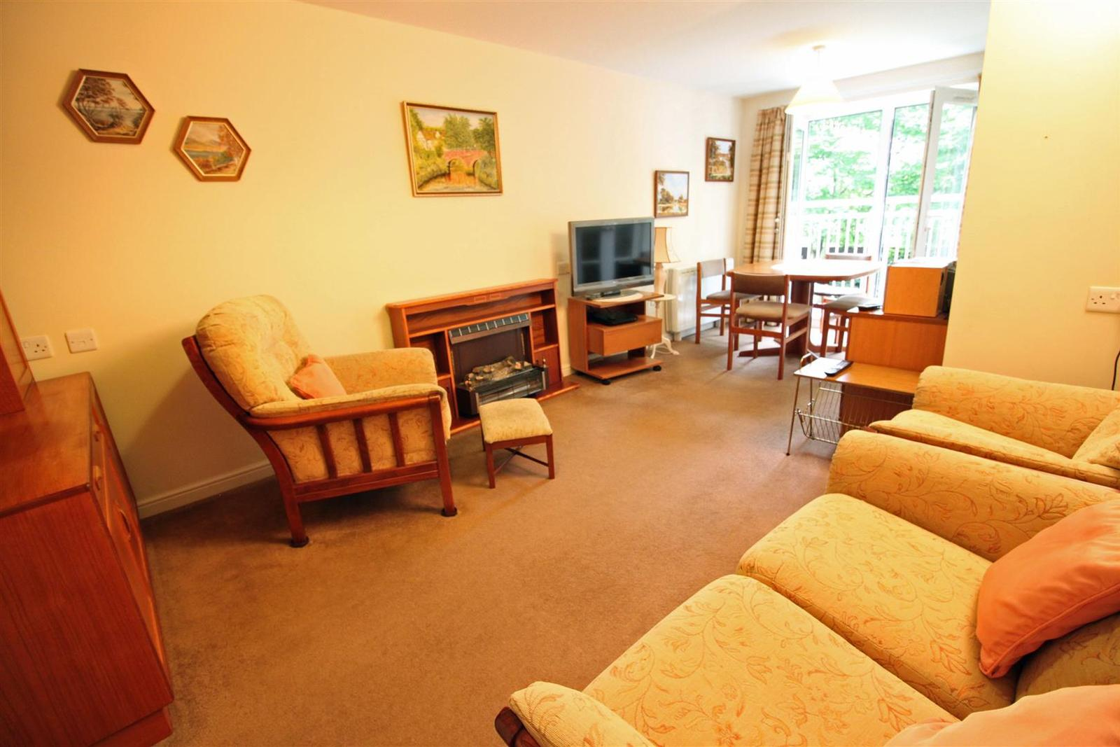 1 Bedroom Flat for sale in Charter Court, Retford