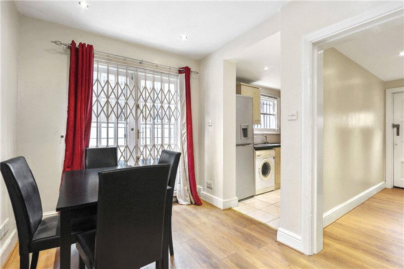 Flat/apartment to let - Stowe Road, Shepherds Bush, W12