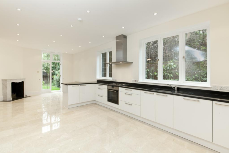 House to let - Howards Lane, Putney, London, SW15
