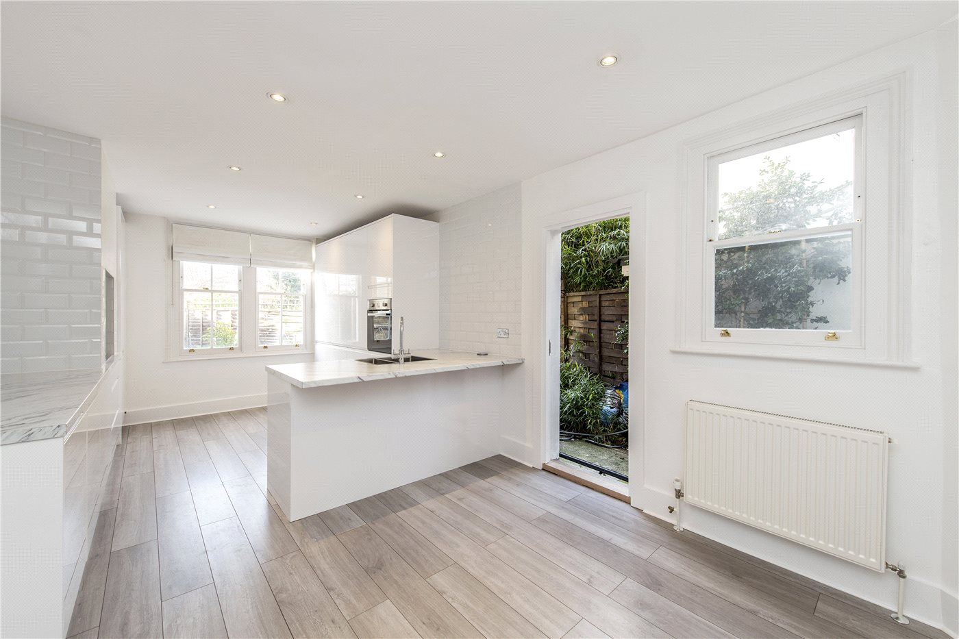 4 bedroom property to rent in Cotherstone Road, London, SW2 - £3000 pcm