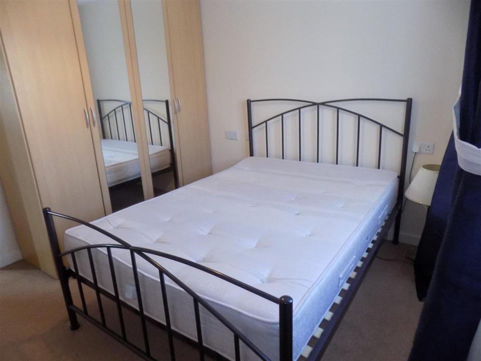 2 bedroom property for sale in Field View House, Old School Walk ...