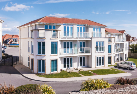 PENTHOUSE APARTMENT, LOCKS LODGE, LOCKS COMMON ROAD, PORTHCAWL, CF36 3DZ