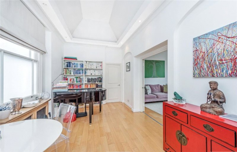 Flat/apartment to let - Harrington Gardens, South Kensington, SW7