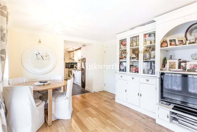Flat/apartment for sale - Blacksmiths Court, 98 Green Lanes, London, N13