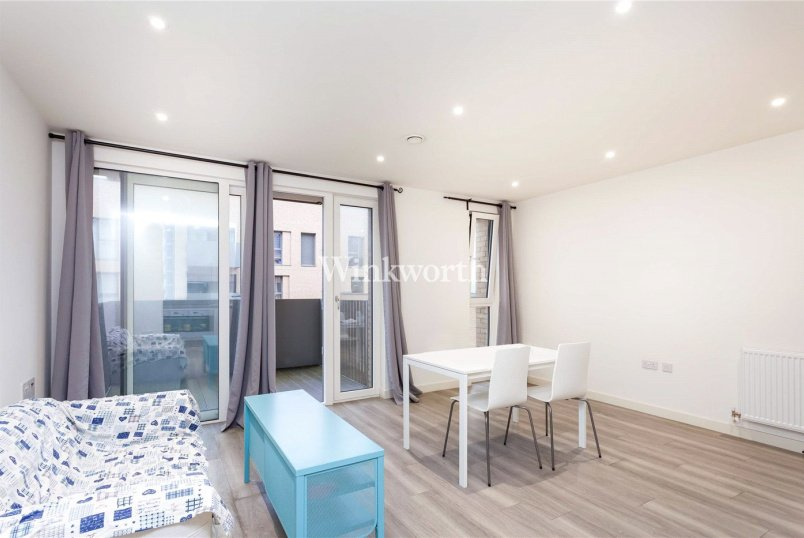 Flat/apartment for sale - Dunnock House, 21 Moorhen Drive, London, NW9