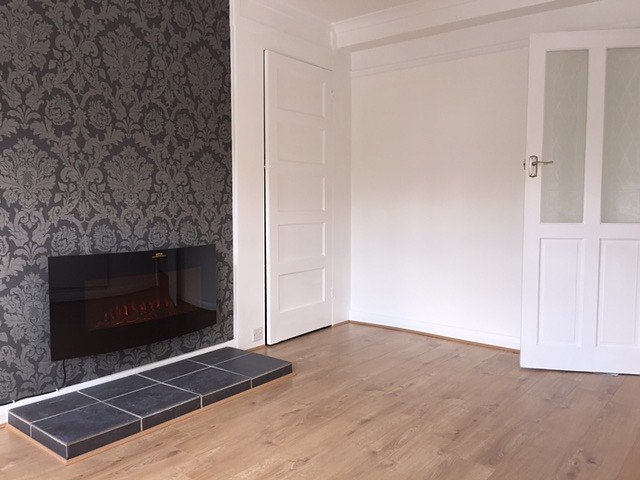 Flat to rent in Weybridge - High Street, Weybridge, KT13