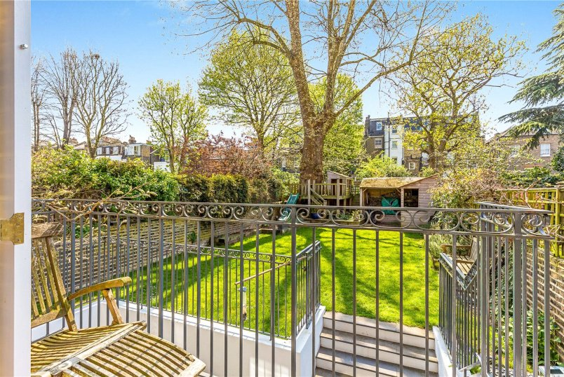 House for sale in Putney - Werter Road, London, SW15