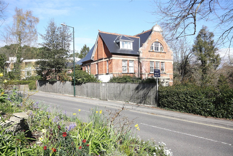 Flat/apartment for sale - Denbeigh Lodge, 64 Surrey Road, Bournemouth, BH4