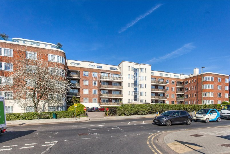 Flat/apartment for sale - Riverside Drive, Golders Green Road, London, NW11