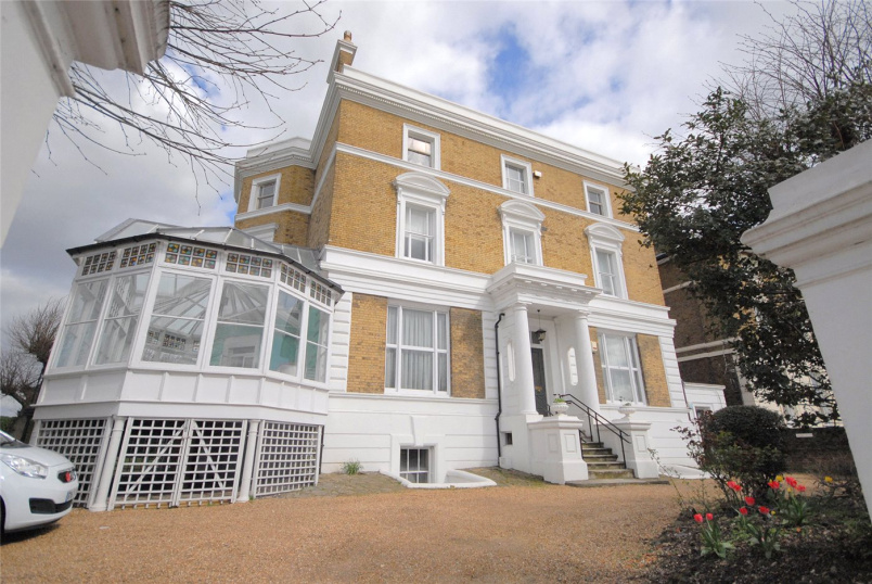 Flat/apartment to let - Shooters Hill Road, Blackheath, SE3