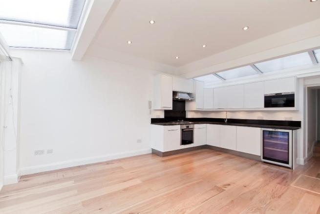 House to let - St Ann's Terrace, St John's Wood, London, NW8