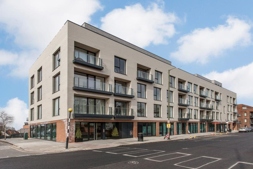 Flat/apartment to rent in Golders Green - Lexington Place, 765 Finchley Road, London, NW11