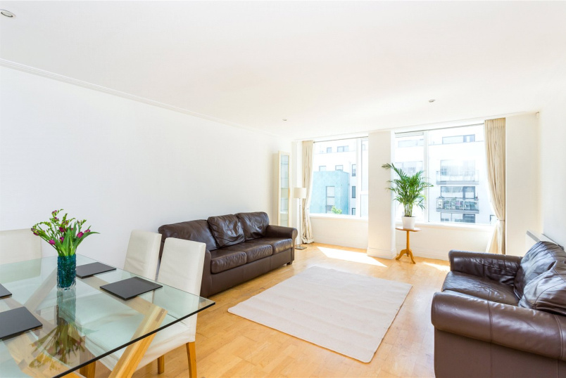 Flat/apartment for sale in Highbury - Drayton Park, London, N5