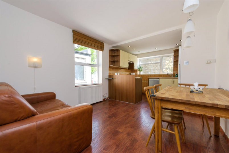 Maisonette for sale in Willesden Green - Lechmere Road, London, NW2