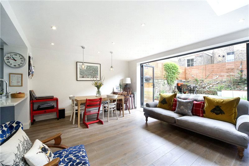 Maisonette for sale - Coningham Road, London, W12