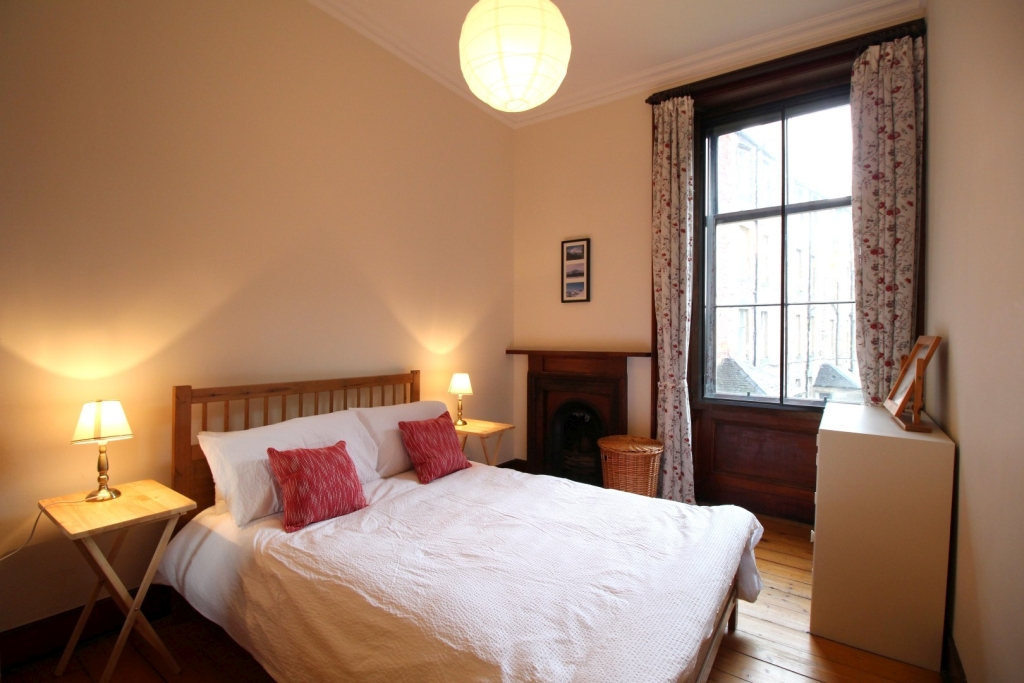 2 bedroom apartment to let in 4, Beaufort Road, Marchmont ...
