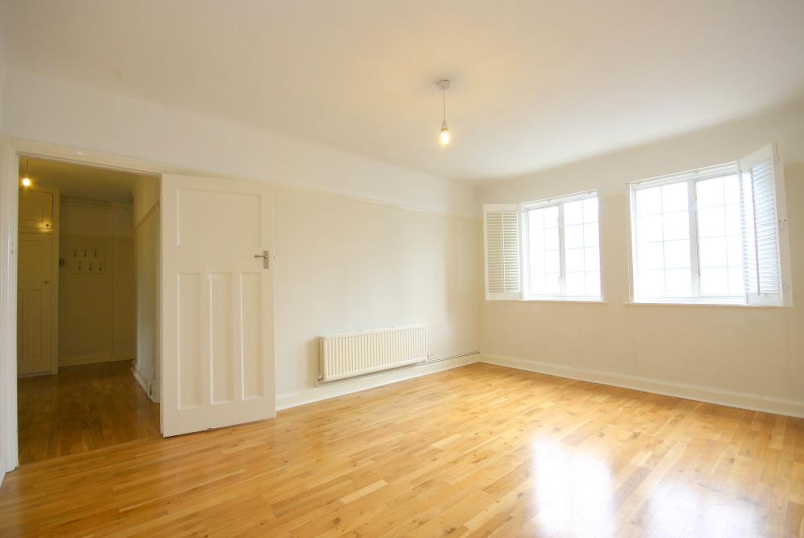 Flat/apartment to rent in Richmond - Gloucester Court, Kew Road, Kew, TW9