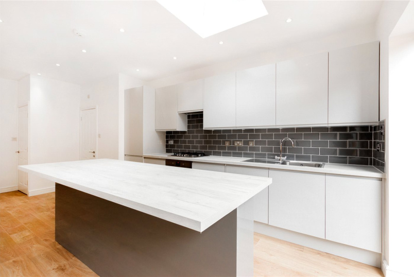 House to rent in Tooting - Ansell Road, London, SW17