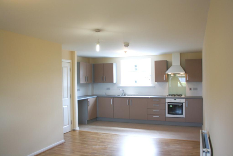 Flat/apartment to let - Montrose Grove, Greylees, Sleaford, NG34
