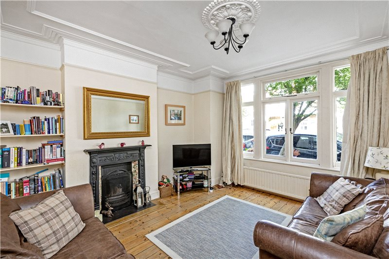 House to let - St. Ann's Road, London, SW13